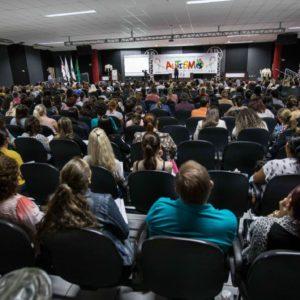 1ª Conferência Estadual sobre o Autismo reúne mais de 600 pessoas de 16 municípios em Cascavel