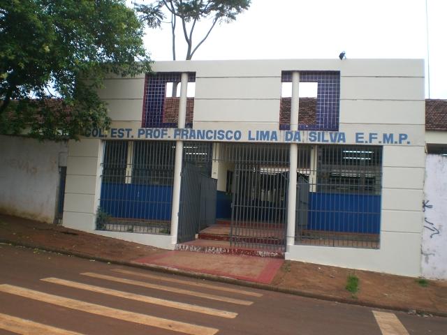 Marcio-Pacheco-colégio