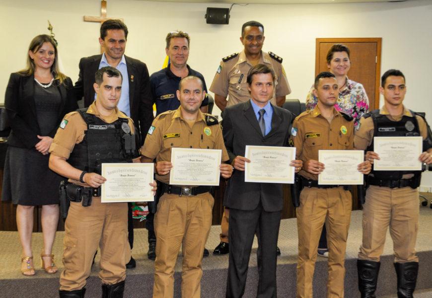 Umuarama | Pacheco entrega homenagens para cinco policias militares que mais efetuaram prisões e apreensões de drogas no Estado