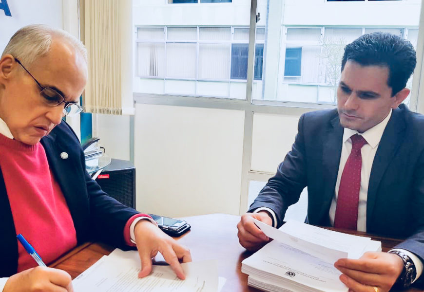 Marechal C. Rondon | Pacheco entrega Abaixo-Assinado a Secretário de Saúde pedindo atendimento pelo SUS no Hospital Fumagali