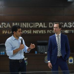 Deputado Pacheco e Diretor Legislativo representam a Assembleia em capacitação