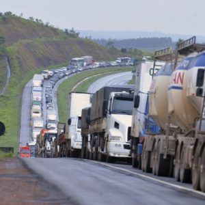 Segurança | Projeto de Pacheco propõe a proibição de bloqueios de rodovias em obras