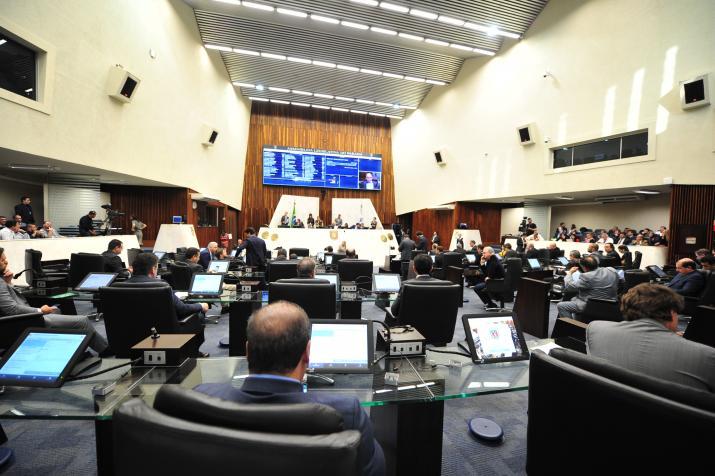 Proibição do fracking no Paraná é aprovada em redação final e segue para sanção do Executivo