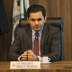 PEC que põe fim à aposentadoria dos governadores é aprovada