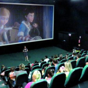 Paraná terá seção especial de cinema para autistas e pessoas com down