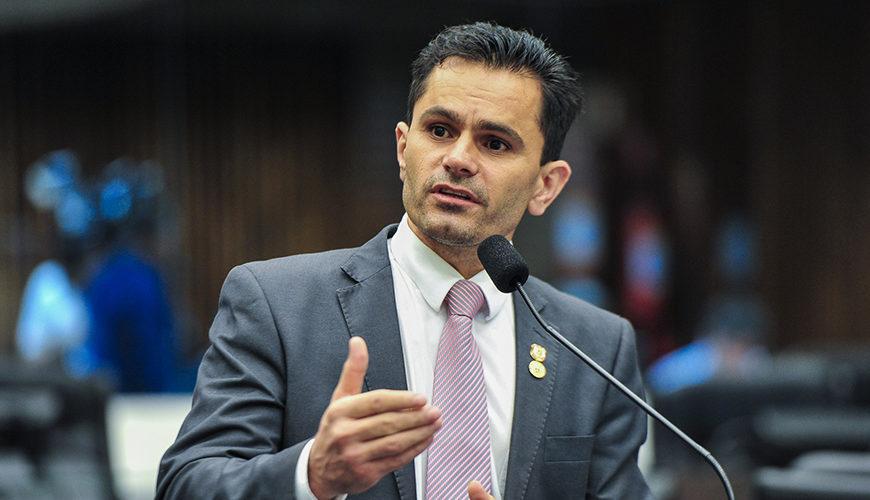 Pacheco vota contra o fim da Licença Especial dos servidores