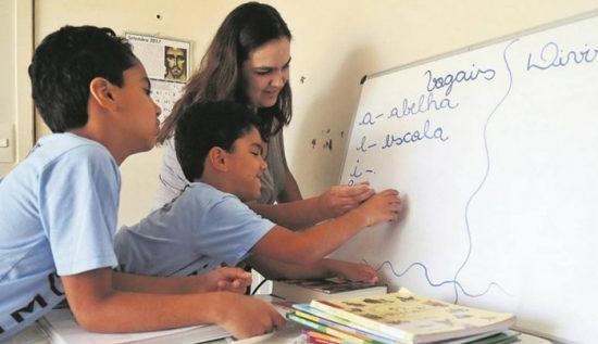 Protocolado projeto de lei que institui ensino domiciliar no Paraná