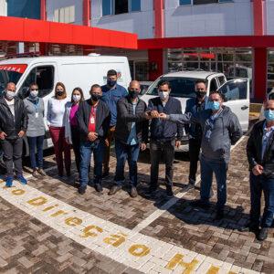 HU de Cascavel recebe ambulância nova com recursos de emenda de Pacheco