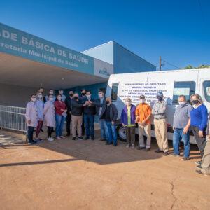 Pacheco entrega uma Van de R$ 170 mil para a saúde de São José das Palmeiras