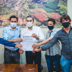 Pacheco e prefeito Leonir assinam ordens de serviço de R$ 300 mil para a saúde