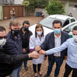 Pacheco entrega carro zero quilômetro para a Comunidade Terapêutica Renascer em Cascavel