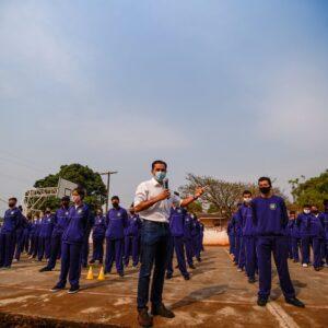 Pacheco participa de entrega de uniformes aos colégios cívicos-militares do Brasmadeira e Olivo Fracaro em Cascavel